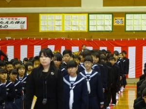 多くの祝福の中、中学校生活がスタート